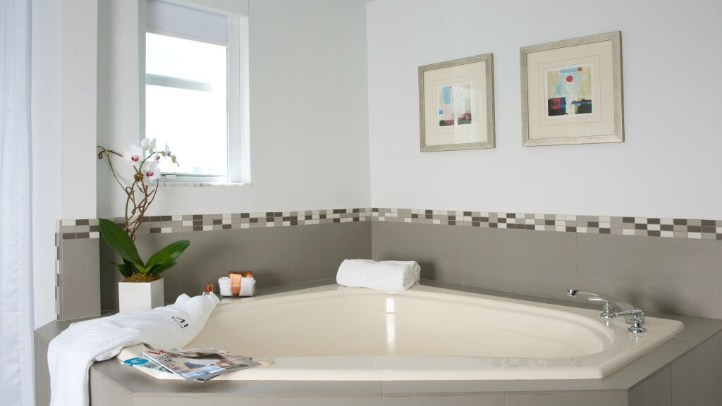 Cheap Jacuzzi Rooms Miami
