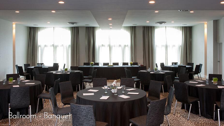 Marseilles Hotel - Ballroom