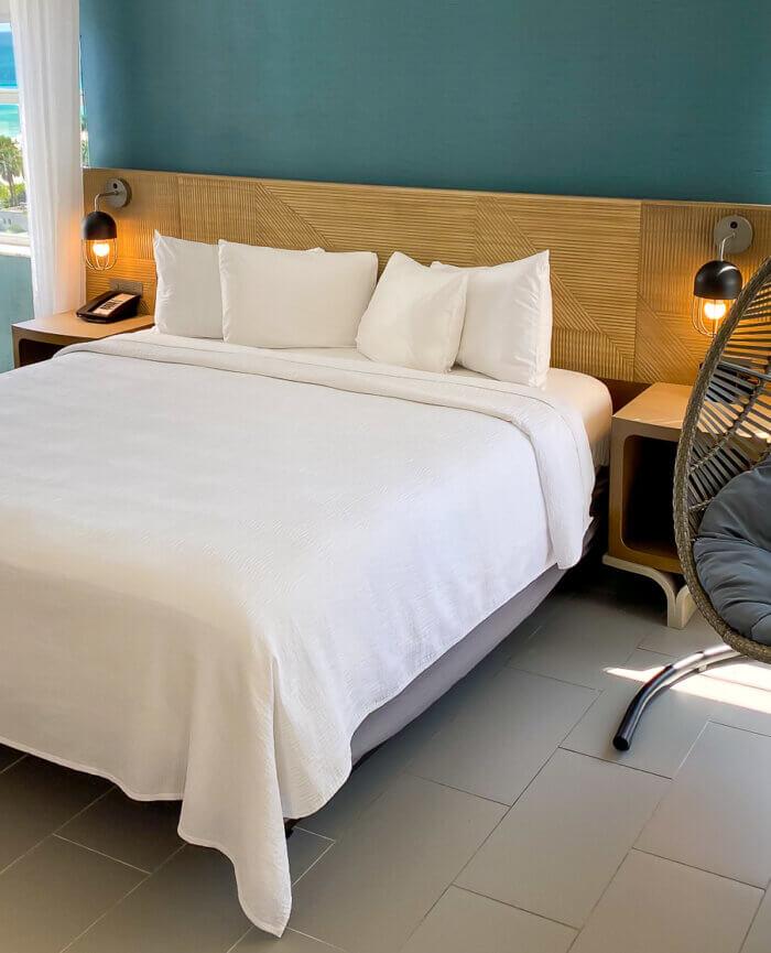Marseilles Hotel Suite Junior King